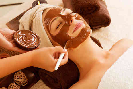 Secret Satori Spa - Ultimate Chocolate Pamper Package with bubbly for 1 - Save 76%