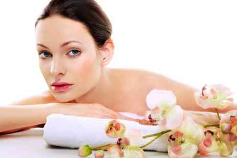 Comfort Inn Ramsgate - Back Neck and Shoulder Massage Plus Mini Facial  - Save 50%