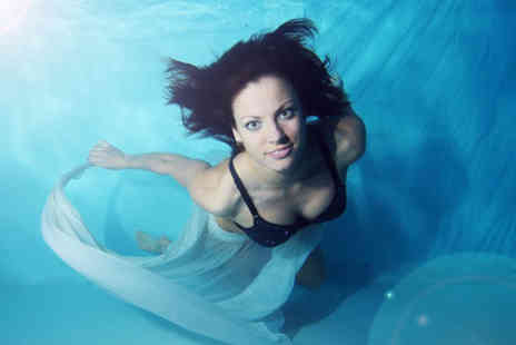 Bubbles Event Photography - Underwater photoshoot for 1 plus a mounted 6 x9 print  - Save 77%