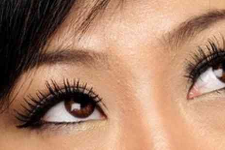 Looks and Lashes - Full Set of Semi Permanent Lashes - Save 71%