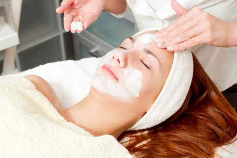 Bodyline Plus - One hour facial  - Save 53%