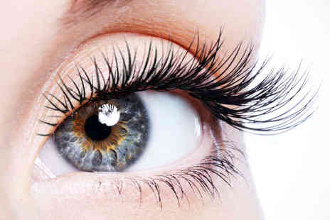 Lilly Nail & Beauty - Semi Permanent Eyelashes  - Save 62%