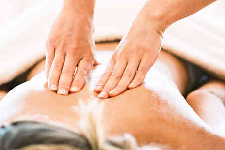 Sports Physio UK - Hour Long Deep Tissue Massage - Save 60%