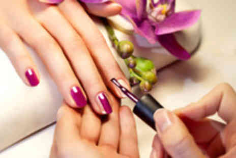 Max n Co - Shellac manicure - Save 55%