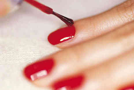 La Beautique - Shellac Manicure  - Save 84%