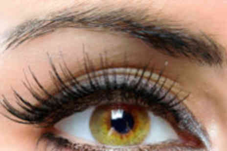 Fine Physique - Semi permanent eyelashes - Save 74%