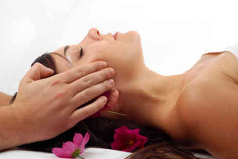 Platinum Health & Beauty - £10 for a collagen boosting luxury facial, with hand treatment and relaxing hand massage - Save 71%