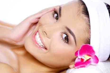 The Coquettes - Deep Cleansing Deluxe Facial  - Save 62%