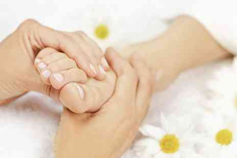 Hands & Oils Aromatherapy - Gel Pedicure - Save 40%
