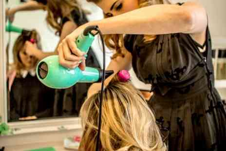 The Parlour London - Cut and Styling Plus Highlights and Conditioning - Save 39%