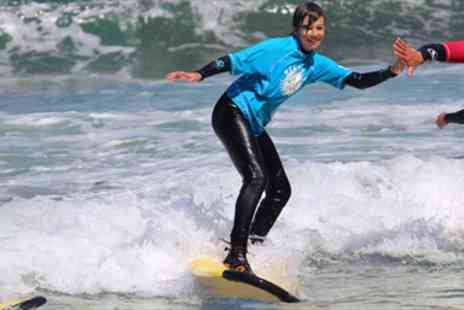 Newquay Surfing School - Surfing Lesson on Newquay Beach - Save 50%