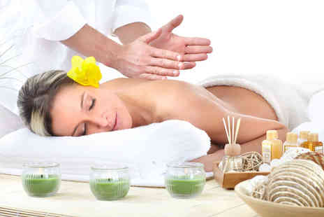 Signature Hair & Beauty - One day introduction to massage course - Save 65%