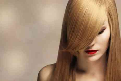 La Bella Vita Swindon - Cut, Blow Dry and Conditioning Treatment - Save 70%