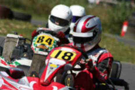 Nottingham Raceway Karting - Go karting package - Save 60%