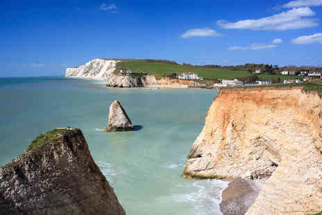 Luxury Travels and Tours - Luxury Isle of Wight day trip including return ferry - Save 63%