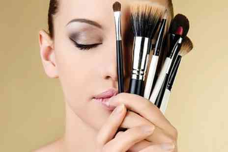 Beauty Temple - Make up Workshop With Refreshments - Save 76%