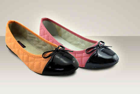 Evaniy Accessories - Pair of stylish flat shoe - Save 75%
