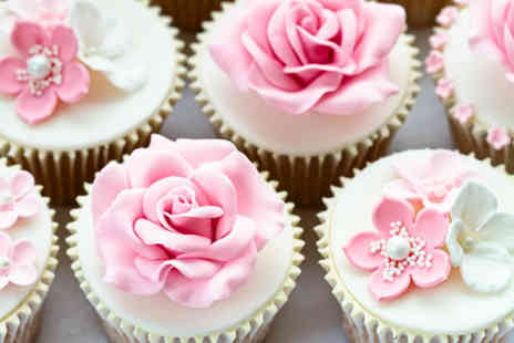Trifles Bakery - Royal icing and piping diploma course  - Save 70%