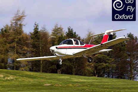 Go Fly Oxford - Flight Experience Including One Year Membership Briefing Debriefing and Flight  - Save 66%
