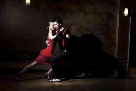 SalSeduce - Six Salsa Classes For One - Save 75%