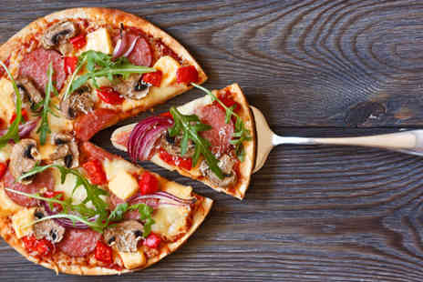 Rakonto Bar & Grill - Pizza and cocktails for 2 - Save 50%