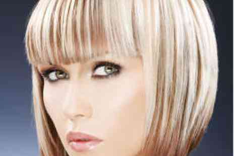 Super Tonic - Womens Haircut Restyle Treatment and Blow Dry - Save 61%