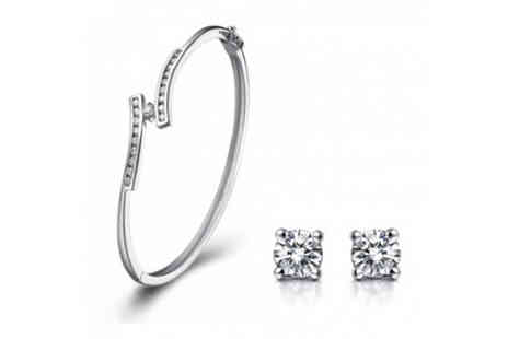 Magic Diamonds - Crystal Elegance Bracelet and Stud Earrings Set - Save 50%