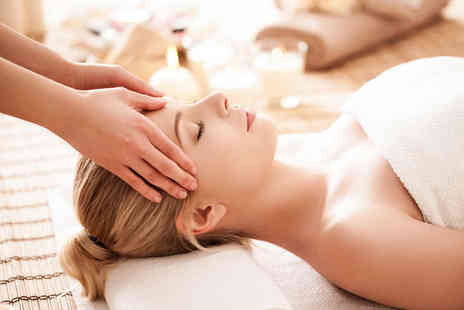 Eizun - One Detox Back Massage, Rejuvinating Facial, and Hand Reflexology Treatments - Save 50%