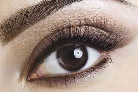 Studio Bea - Individual Eyelash Extensions  Plus HD Eyebrows  - Save 68%