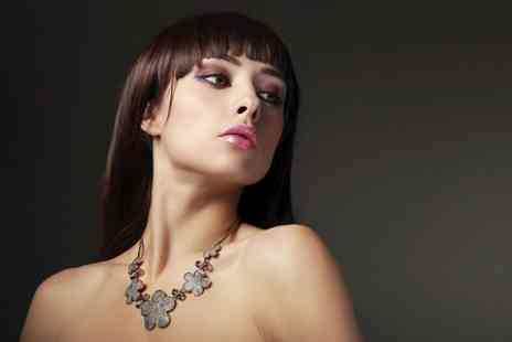 EJ Hairdressing - Restyle and Conditioning  - Save 47%