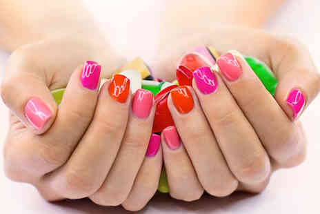 La Belle - One day accredited nail extension course  - Save 83%