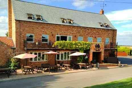 The Ship Inn - One Night Stay For Two With Breakfast  - Save 52%