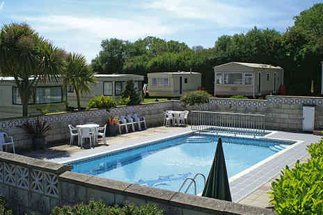 Island View Holidays - Three night stay in sle of Wight for six - Save 53%