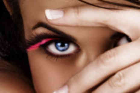 Touch of elegance - Luxury manicure and semi permanent eyelashes - Save 71%