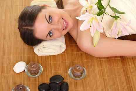 The Beauty Lounge of Formby - Summer pamper package, including body wrap, mini facial and hand & arm massage - Save 76%