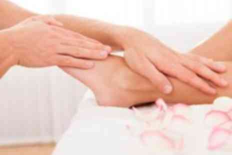 The Buddha Beauty Company - Foot & hand reflexology massage with foot soak and fruit tea - Save 59%