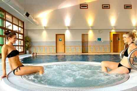 Cedar Court Wakefield - One Night Saty For Two With Breakfast and Dinner  - Save 50%