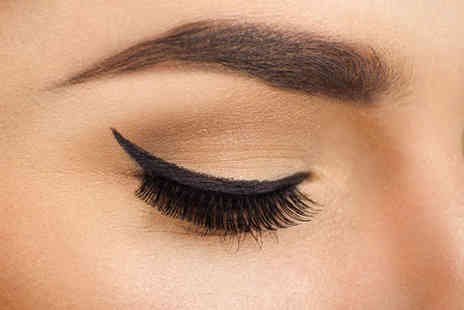 Chic Beauty Academy - Half day eyebrow and eyelash tinting course  - Save 68%