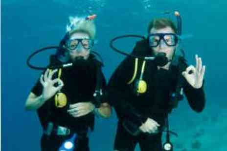 Hazel Grove Sub Aqua Club - 2½ Hour Beginners Scuba Diving Course - Save 57%