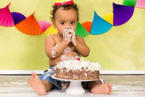 Pictures Forever - Cake smash baby or group photoshoot including 3 prints - Save 91%