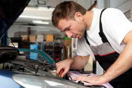 Bsmart Autocentre - Air Conditioning Service With Re Gas - Save 60%