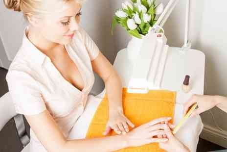 La Belle Training Academy - One Day Nail Extension Course - Save 83%