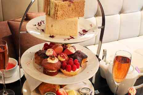 DoubleTree by Hilton Hotel - Pink Champagne Afternoon Tea for two - Save 50%