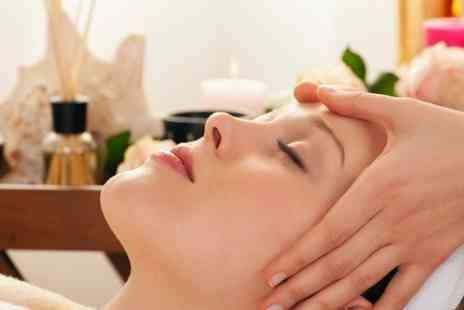 CRUZ HAIR AND BEAUTY - 30 minute Facial - Save 50%