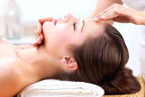 Ricky & Riddhi - Aromatherapy Head Massage  - Save 62%