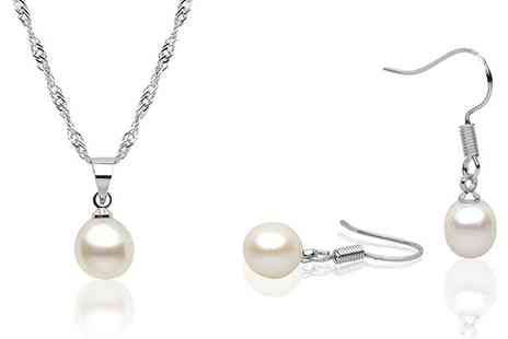 YOLO Ventures - Pearl Earrings & Necklace - Save 50%