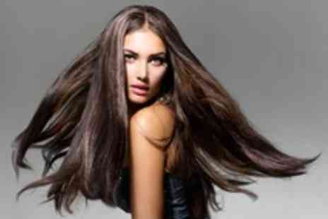 Georginas - One day micro ring hair extensions course - Save 50%