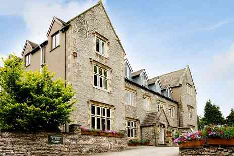 Stonecross Manor Hotel - Lake District Escape with Four Poster Room, Meals & Fizz - Save 40%