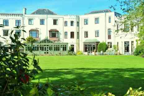 Lyndhurst Park Hotel - One Night Stay For Two With Breakfast  - Save 42%