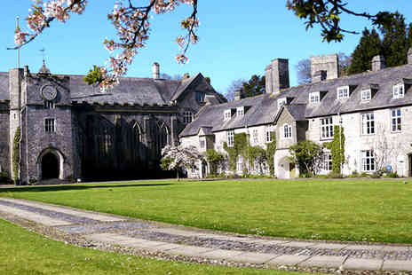 Dartington Hall Double Room - Double En Suite in Devon - Save 32%